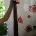 rudi plaukuciai su sviesiom sruogelem