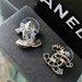 Chanel juodo ir saidraus stiklo auskariukai