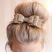 Auksinis plauku segtukas bantukas