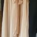 šilkinė nude stiliaus suknelė