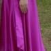 Puiki suknele su uzrisamu kaspinu