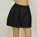 Juodas atlasinis sijonas