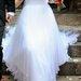 Tobula vestuvinė suknelė su tikromis plunksnomis