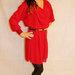 raudona ilgom rankovem suknyte