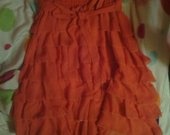 Persikinė suknele