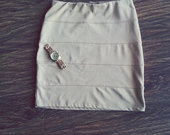 Nude aukštu liemeniu sijonas