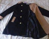 Juodas naujas stilingas paltukas