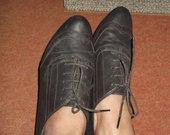 Rudi,dailus batai