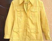 Geltonas kareiviškas švarkas