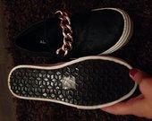 Aldo nauji batai