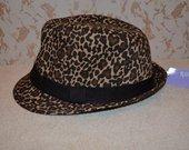 claire's kepurė nauja!