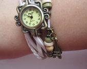 Naujas baltas laikrodis