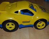 geltona masina