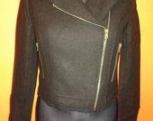 juodas švarkiukas-paltukas