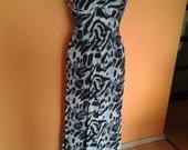 nuostabi ilga suknelė
