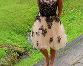 Neapsakomo grožio suknelė