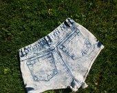 Šviesaus džinso šortai