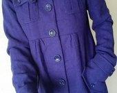 Violetinės spalvos paltukas