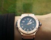 hublot naujas laikrodis juodas su auksu