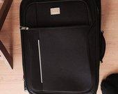 naujas juodas lagaminas