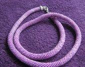 Megzti violetiniai karoliai