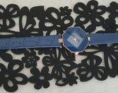 Moteriškas laikrodis.