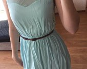 Žydrosspalvos suknelė