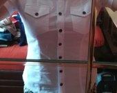 Balti trumparankoviai marškiniai