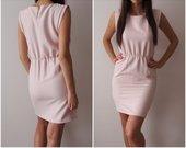 Stilinga suknelė su kišenėmis