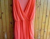 Koralines spalvos puosni suknute