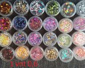 ivairiu spalvu konfeti nagams