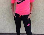 Nike kostiumėlis ryškioms merginoms bei moterims