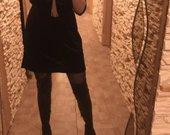 Veliurinė suknele