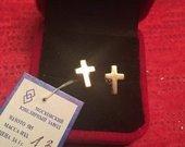 Auksiniai auskarai kryžiai
