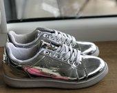 Sidabriniai batai