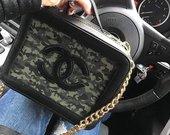 Chanel moteriska rankine