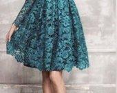 gipiurine smaragdine suknele