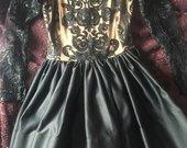 Įspūdinga suknele