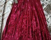 Bordo/raudonas sijonas