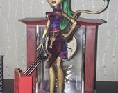 Monster High lele, Jinafire 10.00 eur.