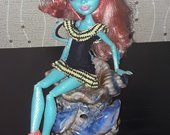 Monster High lele, Lorna 7.50eur.