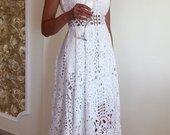 Prabangi balta suknelė