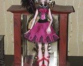 Monster High lele draculaura 8.00eur.