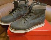 Garvalin nauji batai