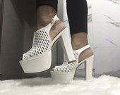 Aukštakulniai sandalai Aukštakulniai sandalai