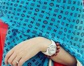 Louis Vuitton žydras šilkinis šalikas