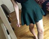 grazus tamsiai zalias sijonas