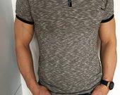 Vyriški pilki marškinėliai