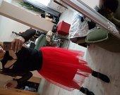 raudoni tiulio sijonai