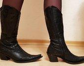 Pitono odos batai